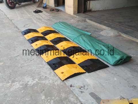 Polisi Tidur Karet 1 Meter